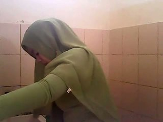 Vyzvědač gagal jilbab hijau