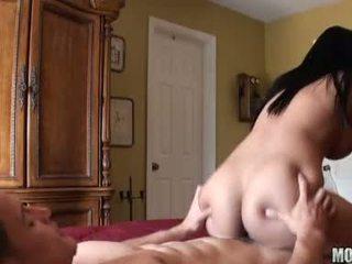 brunetta, sesso hardcore