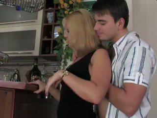 Rusa madura 47
