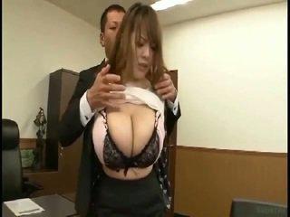 Maciço tetas japonesa gets fondled