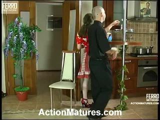 Leila en benjamin stylish mam op video-