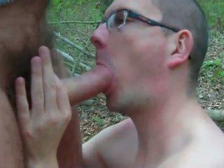 Sucks in the woods - Suce dans les bois