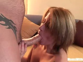 Kantoor mam zomer storm nauw anaal geneukt in de zitbank