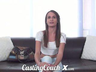 Kastings dīvāns x: exquisite pusaudze georgia peach gets banged grūti