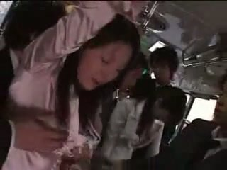 जपानीस गर्ल मजबूर पर ट्रेन