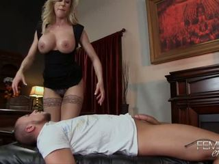 Brandi liefde vrouwelijke dominantie afrukken - porno video- 091