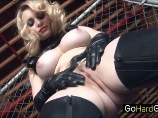 Aiden starr aiden viser henne ny slave den ropes