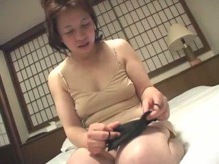 morena, japonés, masturbándose