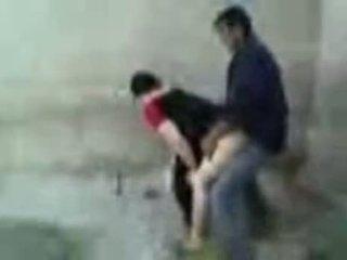Iraqi عاهرة مارس الجنس في ال شارع