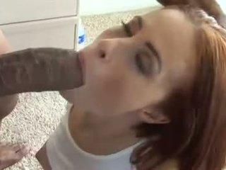 Sizzling हॉट ginger lea gets उसकी मुंह whacked द्वारा एक monstrous meatpole