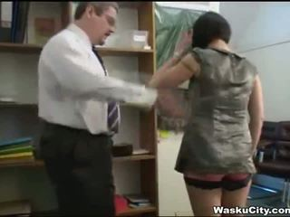 Anh cô gái (thieving cô gái gets spanked qua ông chủ)