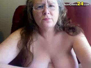 Gorda feia avó uses sexo brinquedos para masturbate