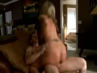 Marc scalvo pounds darcy tyler un blows a liels load par viņai