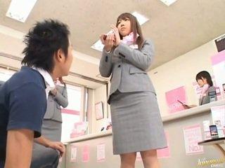 Giapponese av modella sederona tastata