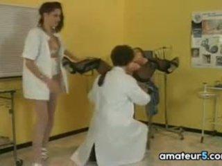 임신 한 환자 에 a 4 일부 와 그녀의 의사