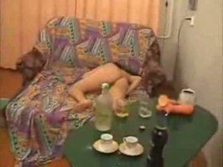 Guys 行く あまりに 遠く とともに 酔った 大学 女の子 ビデオ