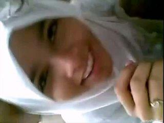Ładne indonezyjskie dziewczyna gives robienie loda