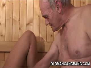 Heet europees sauna gangbang