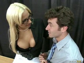 She took her job to find horny dicks