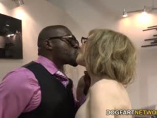 Nina hartley fucks 검정 guys 용 votes