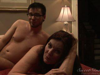 Di belakang itu adegan dengan itu seksi wanita dengan pria lebih muda magdalene st michaels