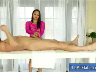 बस्टी masseuse adrianna luna मुखमैथुन नीचे the टेबल