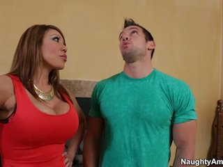 Spicy betje eje ava devine makes love the neigbor