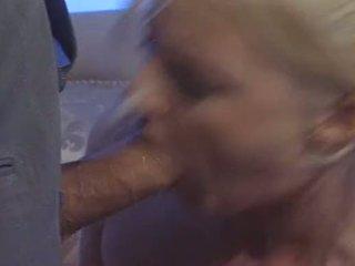 Sexy blondine brits vrouw hannah harper fucks voor geld