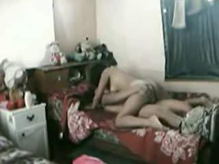 Idonesisk jente knullet hardt