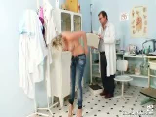 Gyzykly gabriela getting naked in gyno ofis