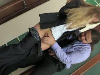 Seks içinde the sportif kızlar oda