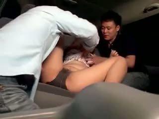 Innocent תלמידת בית ספר gangbanged ב a מכונית