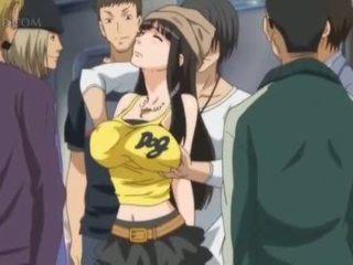 Pechugona anime sexo esclava gets pezones pinched en público
