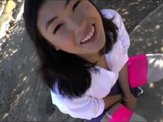 Heerlijk ladyboy yuri myeon masturbates