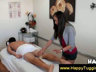 Aziāti palaistuve gives a penis masāža