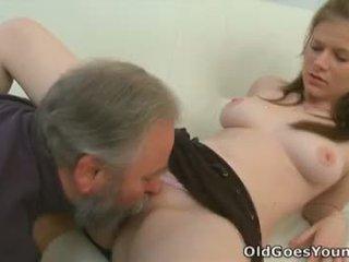 Maria lets an قديم guy اللعنة لها