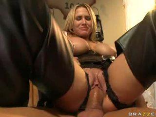 Alanah rae blondīne filled ar sperma par viņai seja