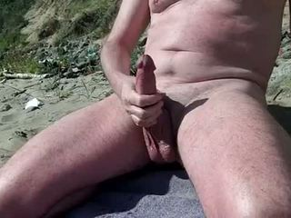 Nagi gej pokaz kutas na the nudyści plaża