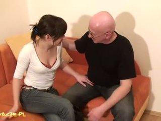 Un abuelo polaco se va de putas