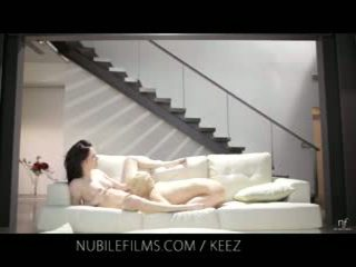 Aiden ashley - nubile films - lesbianas lovers compartir dulce coño juices