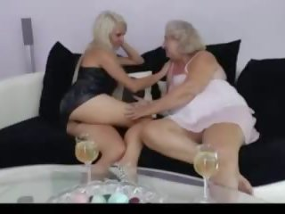 lesbians, old+young