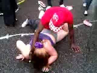 Netīras dance neglītas resnas meitene video