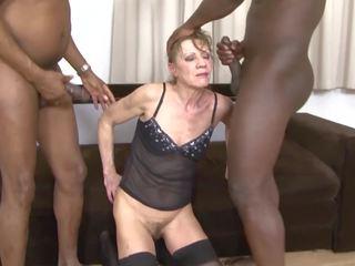 Inter-racial porno vovó dped por two negra men anal e