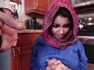 Ada een geil arab tiener gets geneukt en filled met sperma