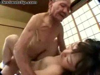 Huono japanilainen koulutyttö perseestä mukaan vanha fart