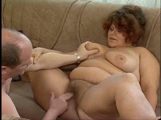 Magnificent storas titted plaukuotas senelė