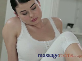 Massage rooms trẻ beauty với lớn tits được fucked lược cứng qua to con gà trống