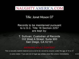 Redheaded milf janet mason seduces haar son's jong vriend - ondeugend america
