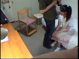 Innocent minēts meitene gets sperma uz mute