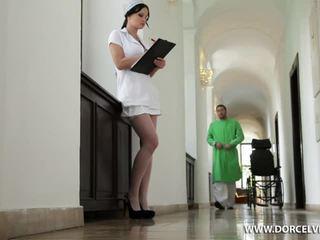 간호사 abbie